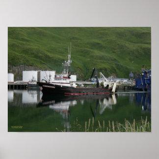 Comodoro, pescando el barco rastreador en puerto h poster