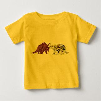 Compañeros del dinosaurio playera de bebé