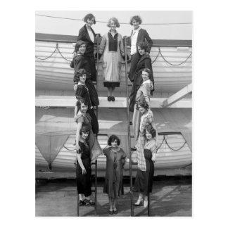 Compañía de la danza de los chicas de la sierpe: tarjeta postal