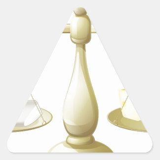 Comparar escalas de la tiza y del queso calcomanía de triangulo personalizadas