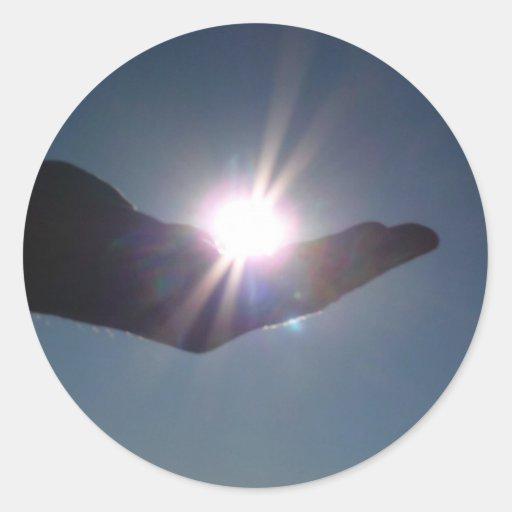 ¡Comparta la sol, la esperanza y la inspiración! Etiqueta Redonda