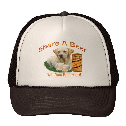 Comparte un gorra del laboratorio del amarillo de