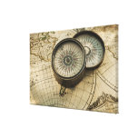 Compás antiguo en mapa lona estirada galerías