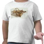 Compás del contorno camisetas