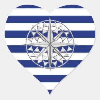 Compás del cromo en rayas náuticas pegatina corazon personalizadas