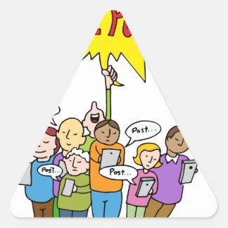 Competencia social de los medios pegatina triangular