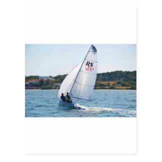 Competir con el bote a la velocidad tarjetas postales