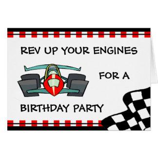 Competir con invitaciones temáticas del cumpleaños tarjeta pequeña