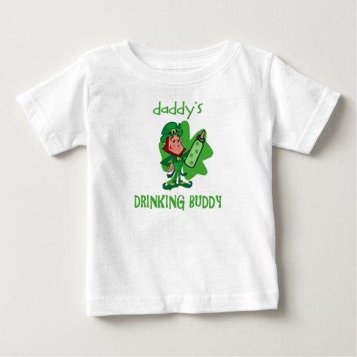 Compinche de consumición del St Pat del papá Camisetas
