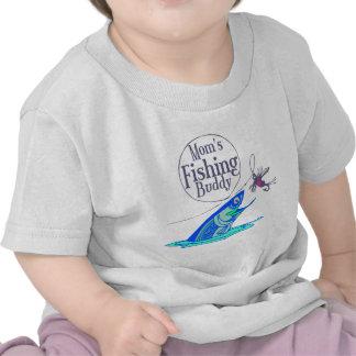Compinche de la pesca de la mamá camisetas
