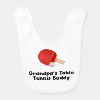 Compinche de los tenis de mesa del abuelo baberos