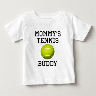 Compinche del tenis de la mamá playera