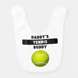 Compinche del tenis del papá babero de bebé