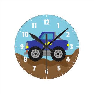 Compitiendo con el monster truck azul, para el reloj redondo mediano