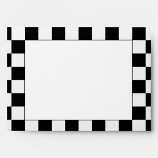 Compitiendo con la bandera a cuadros de los sobres