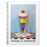 Complazca en helado de la creatividad cuaderno