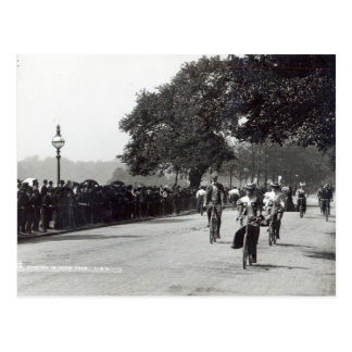 Completando un ciclo en Hyde Park, c.1910 Postal