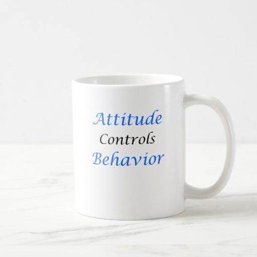 Comportamiento de controles de la actitud taza de café