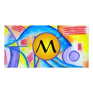 Composición alegre con el monograma amarillo tarjeta personal