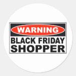 Comprador negro amonestador de viernes pegatinas redondas