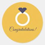 Compromiso de la enhorabuena del amarillo y de los etiqueta redonda