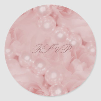 Compromiso elegante del boda de las perlas rosadas pegatina redonda
