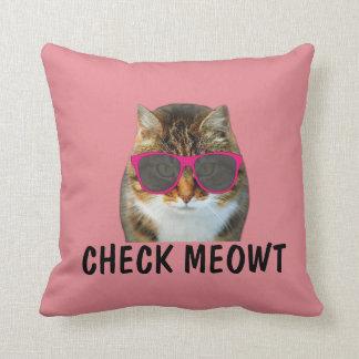 Compruebe la almohada de tiro del meowt