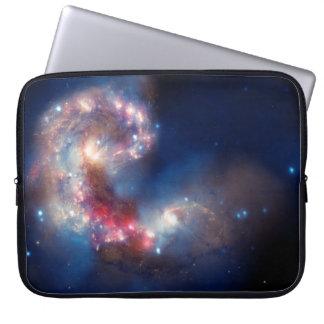 Compuesto colorido de las galaxias de las antenas manga computadora