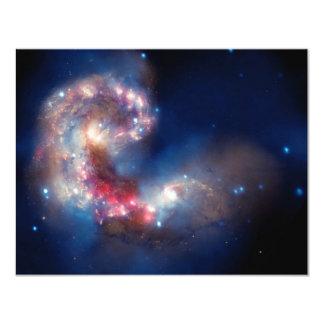 Compuesto colorido de las galaxias de las antenas anuncio