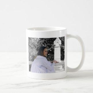 Comtemplación de la vida futura taza de café