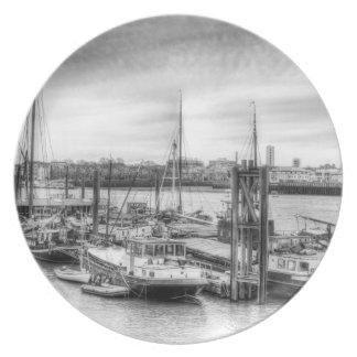 Comunidad del barco del río Támesis Platos