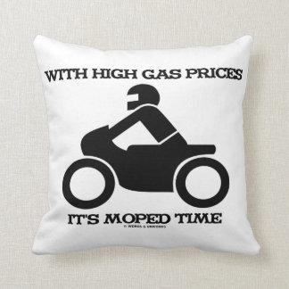 Con altos precios de la gasolina tiene tiempo del cojín decorativo