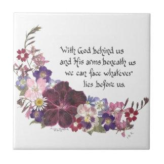 Con dios detrás de nosotros… azulejo