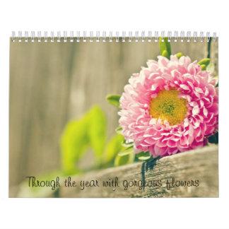 Con el año con las flores magníficas calendarios