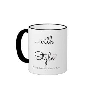… con la taza de café del estilo