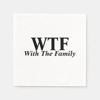 Con las servilletas de la familia servilleta desechable