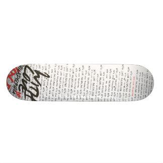 """""""Con Love redacta el monopatín Skateboards"""