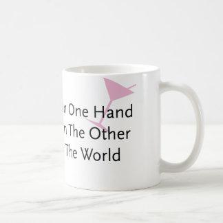 Con una vara en una mano… taza clásica