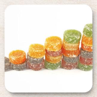 Concepto creativo del negocio del éxito dulce posavasos de bebida