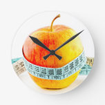 Concepto de la dieta relojes