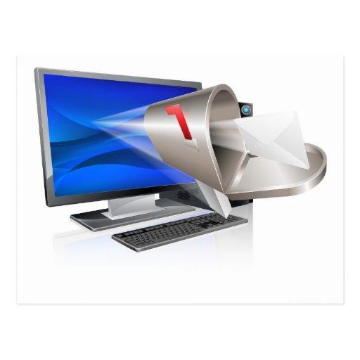 Concepto del correo electrónico del ordenador tarjeta postal