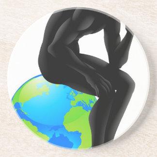 Concepto del pensador del globo posavasos personalizados