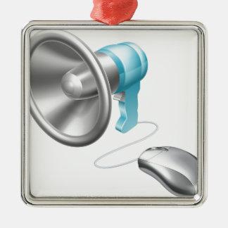 Concepto del ratón del megáfono adorno cuadrado plateado