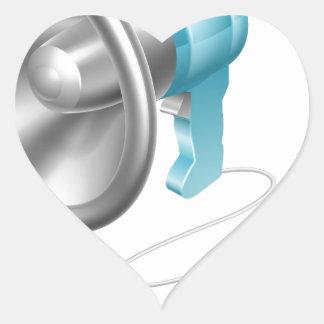 Concepto del ratón del megáfono pegatina en forma de corazón