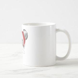 Concepto del ratón y del despertador taza básica blanca
