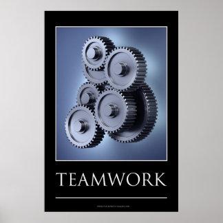 Concepto del trabajo en equipo con las ruedas de e póster