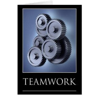 Concepto del trabajo en equipo con las ruedas de e tarjeta de felicitación