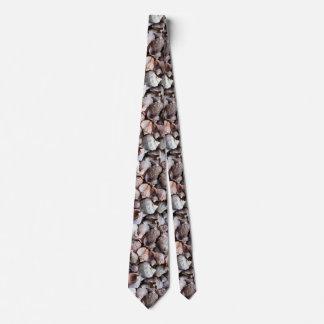 Conch shells tie