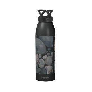 Concha de peregrino Shell y piedras negras Botellas De Agua Reutilizables