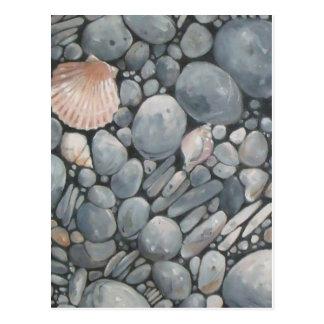 Concha de peregrino Shell y piedras negras Tarjetas Postales